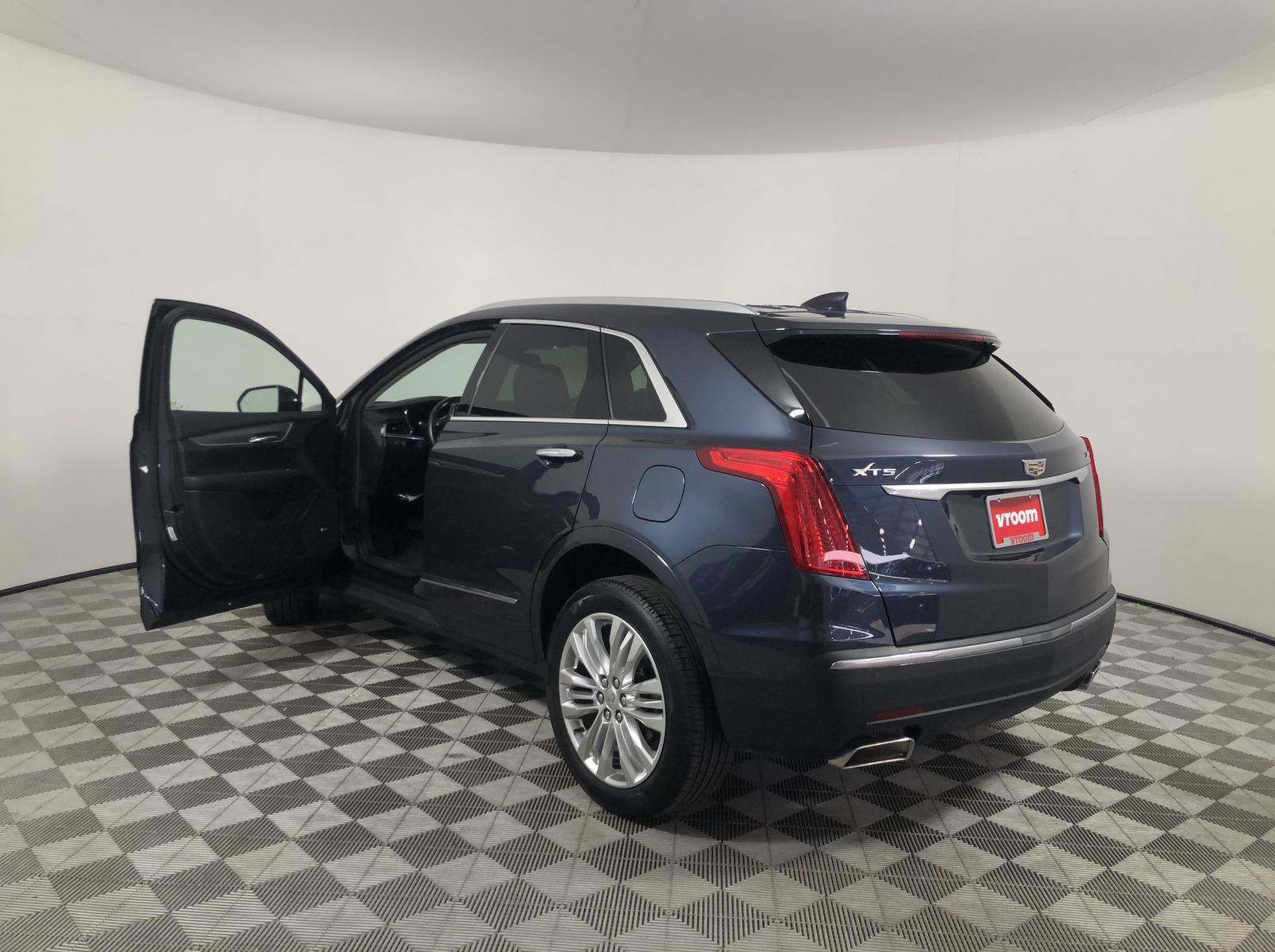 Used 2019 Cadillac XT5 For Sale ($32,460) | Vroom