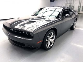 2016 Dodge Challenger SXT Plus 2dr Coupe