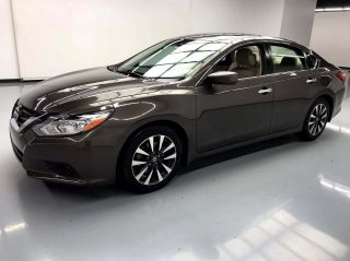 2016 Nissan Altima 2.5 SV 4dr Sedan