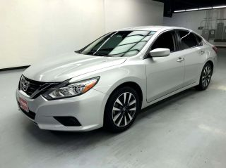2017 Nissan Altima 2.5 SV 4dr Sedan