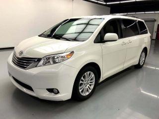 2016 Toyota Sienna XLE 8-Passenger 4dr Mini-Van